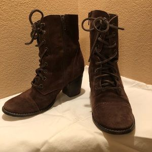 Steve Madden brown suede heal boots